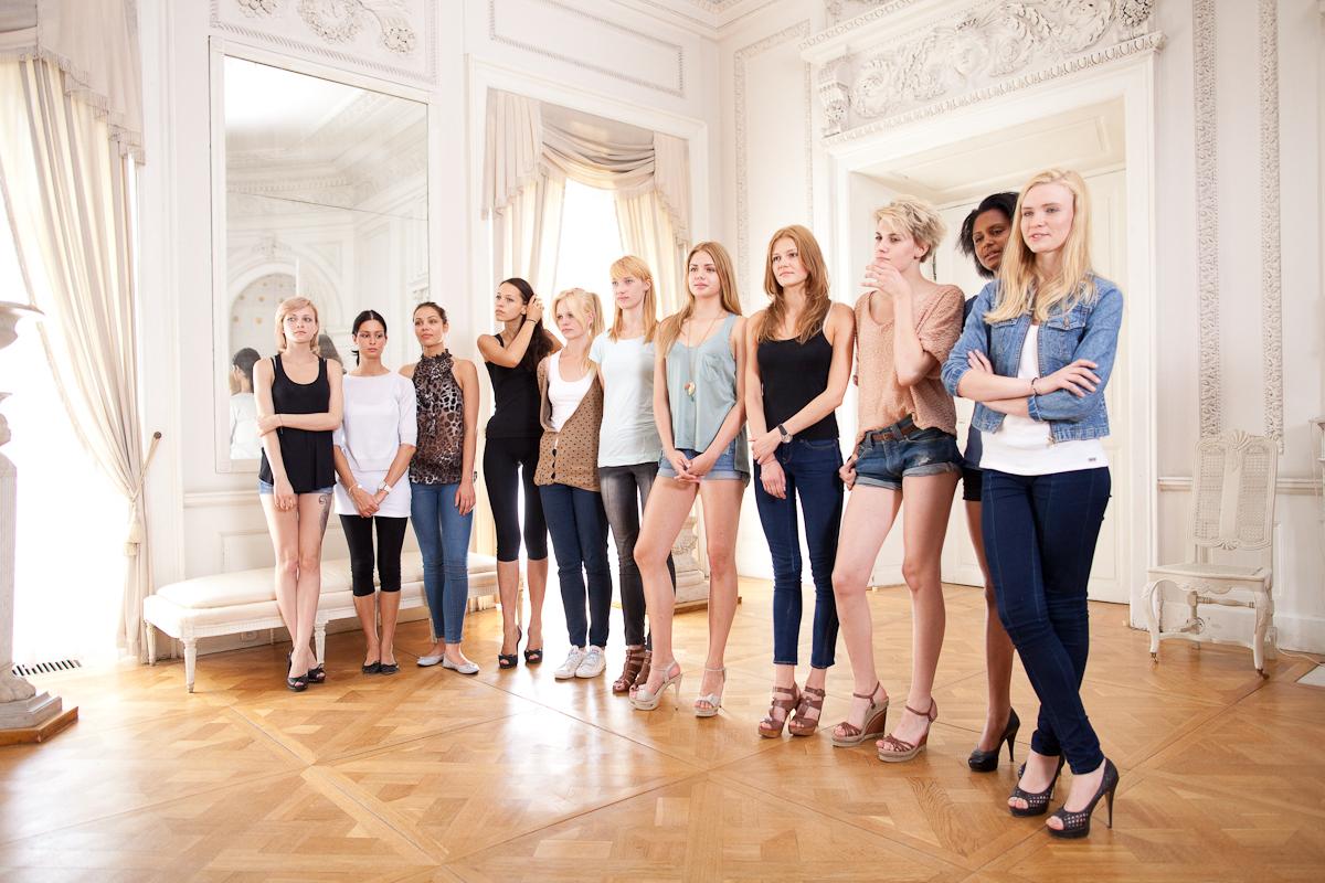 Modelki przed castingiem